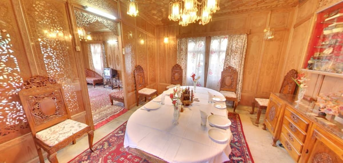 Dogstar Group of Houseboat Srinagar Restaurant